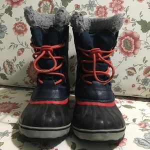 Sorel youth Yoot Pac winter boots size 3